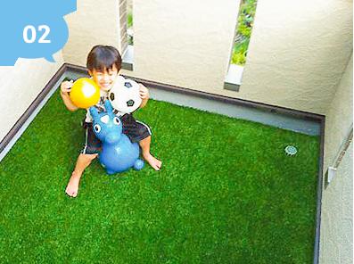 テラス・ベランダ・屋上などに人工芝を敷けば『もうひとつの部屋』が完成!!